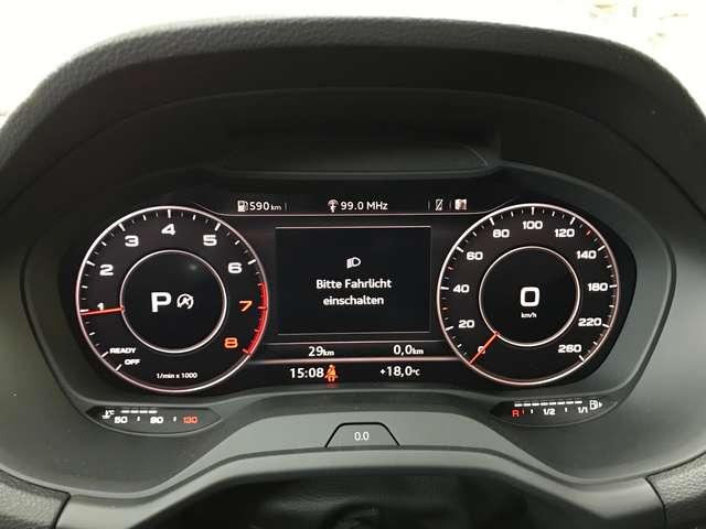 Audi Q2 1.5 TFSI S-tronic sport LED Navi RFK