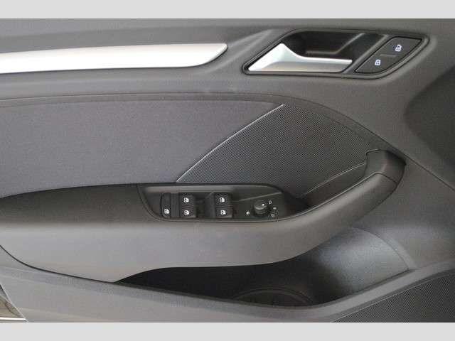 Audi A3 Sportback (Garantie 02/2024,Navi,DAB,SHZ,Einpar