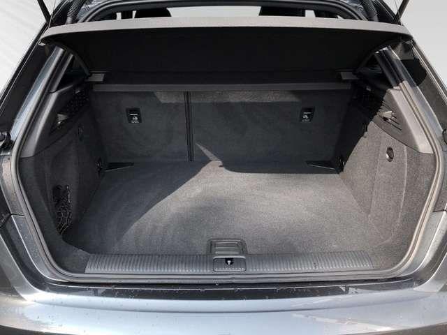 Audi A3 Sportback Sport 30 TFSI S-Line, B & O, LED