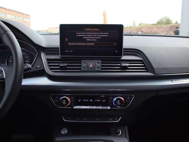 Audi Q5 Sport 40 TDI quattro XENON NAVI LEDER ALU AHK