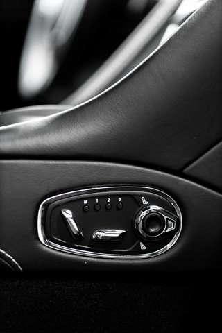 Aston Martin DB11 V8 Volante