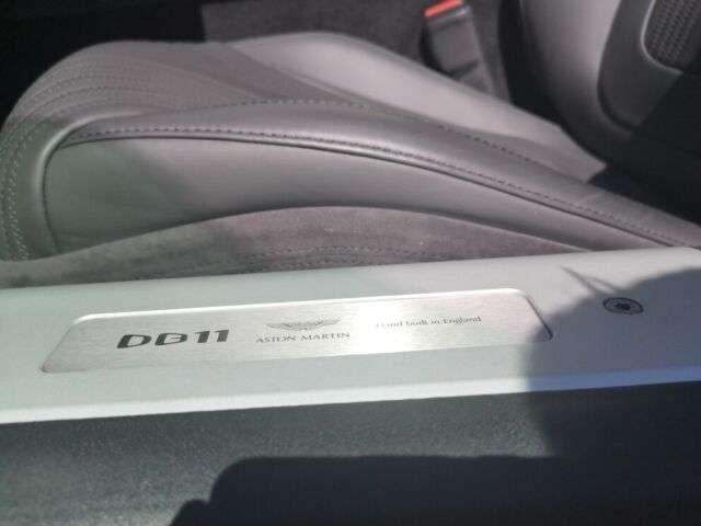 Aston Martin DB11 V12 Coupé Magnetic Silver