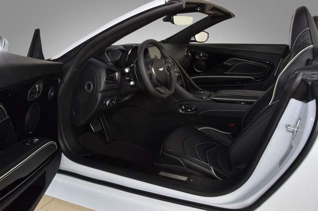 Aston Martin DBS Superleggera Volante - Aston Martin Hamburg