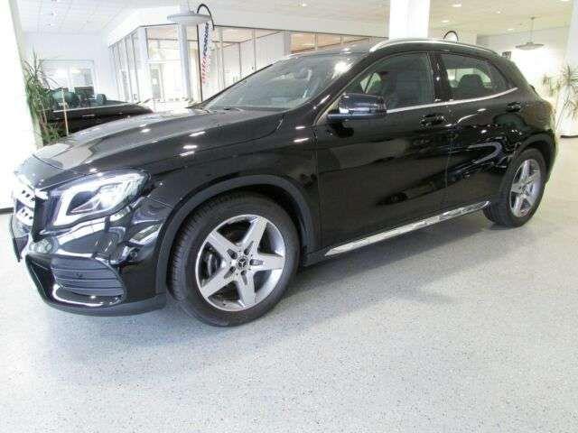 Mercedes-Benz GLA 200 2019 Benzine
