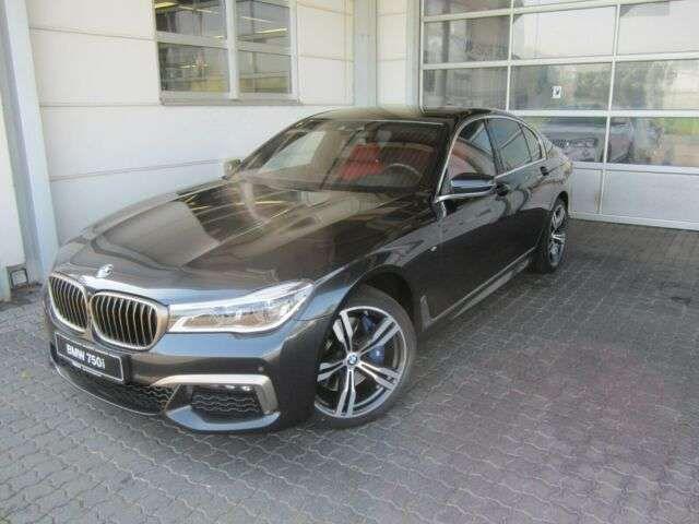 BMW 750 2017 Benzine