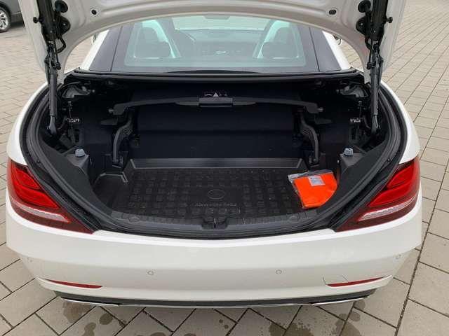 Mercedes-Benz SLC 300