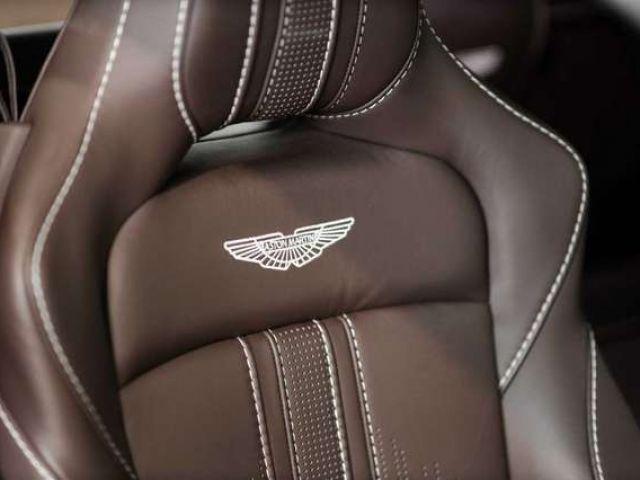 Aston Martin V8 Vantage Vantage