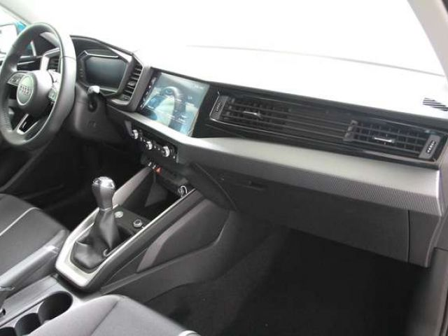 Audi A1 citycarver 30 TFSI LED virtual cockpit Navi