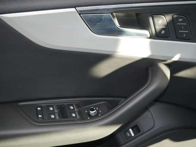 Audi A4 Avant 35 TDI sport SHZ LEDER NAVI LED ACC