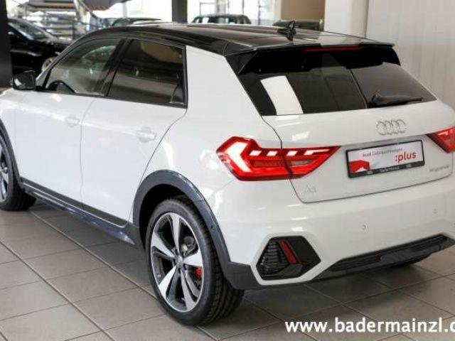 Audi A1 citycarver 35 TFSI S tronic SiHei PhoneBox
