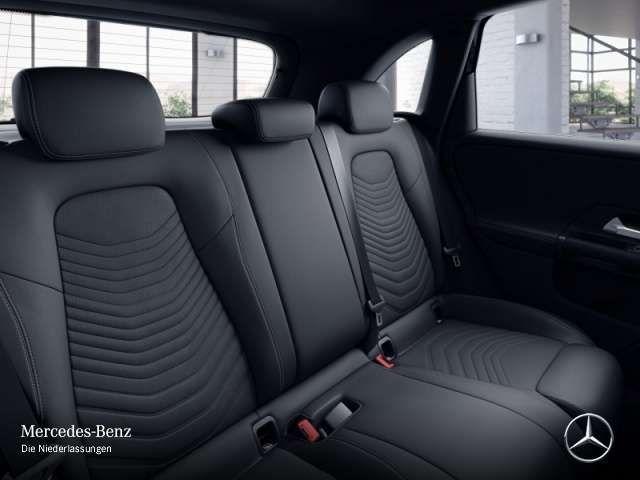 Mercedes-Benz B 180