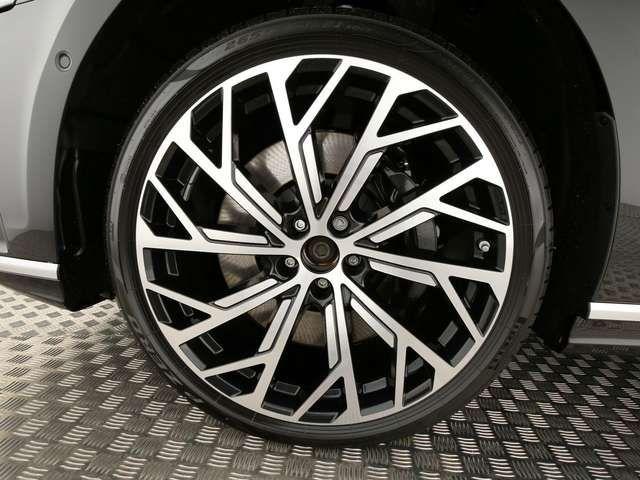 Audi A8 60TDI *HD-MATRIX*AHK*StdHz*LUFT*PANO*AllLenk*