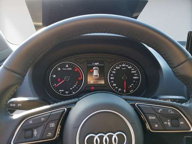 Audi Q2 35 TDI Navi Plus Parkhilfe Komfortschlüssel