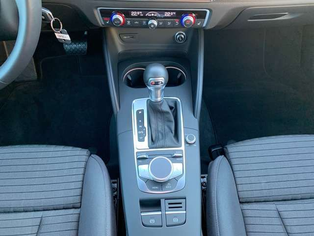 Audi A3 35TFSI S-trc Sport GRA Virtual LED