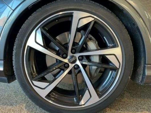 Audi Q7 -S line -Allradlenkung -S-Sportsitze -Pano