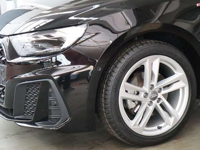 Audi A1 S line 35 TFSI S tronic, LED Navi G