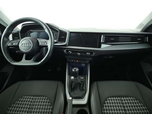 "Audi A1 S line 30 TFSI *PDC*GRA*SiHz*17""5J*"