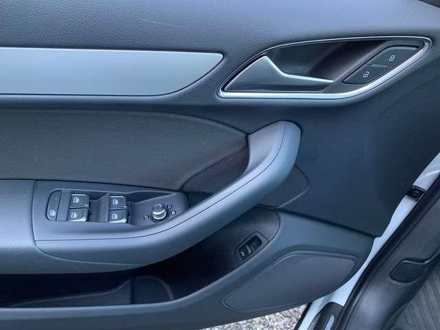 Audi Q3 1.4TFSI EU6 sport s-line LED Pano Navi Sitzh