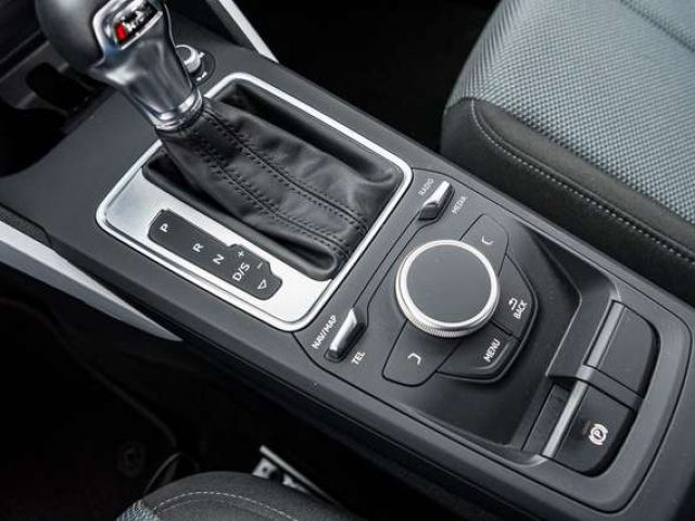 Audi Q2 design 1.4 TFSI S tr. LED AHK NAVI PDC