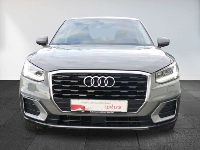 Audi Q2 Design 30TFSI AHK Navi DAB sound EPH LED conn