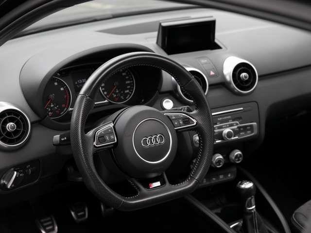 Audi A1 1.4 TFSI S-Line Navi Xenon Pano