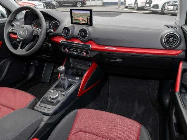 Audi Q2 30 TFSI SPORT NAVI LED SOUNDPAKET