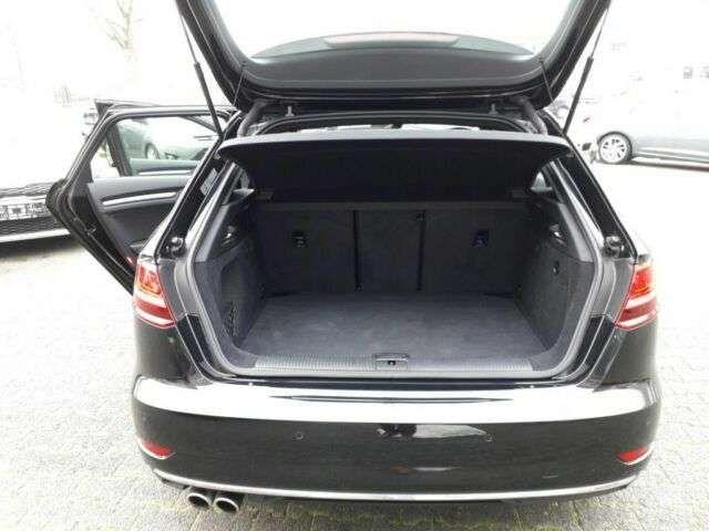 Audi A3 2.0 TDI Sportback S tronic design * Navi / Xe