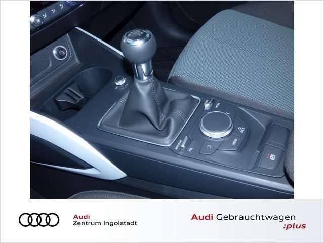 Audi Q2 35 TDI S line LED NAVI GRA DAB PDC Design