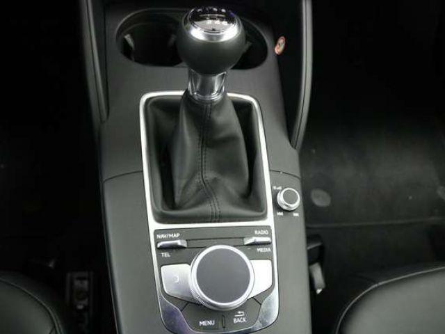 Audi A3 Sportback 30 TFSI Design Navi Xenon SHZG GRA