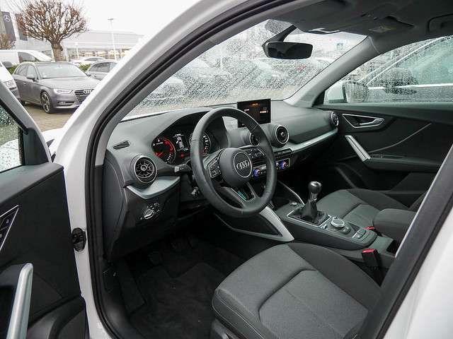 Audi Q2 30 TDI sport FSE USB KLIMA PDC SITZHEIZUNG