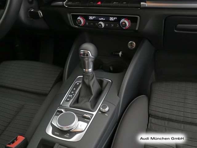 Audi A3 Limousine 35 TDI S tronic sport Navi+/PDC+/DA