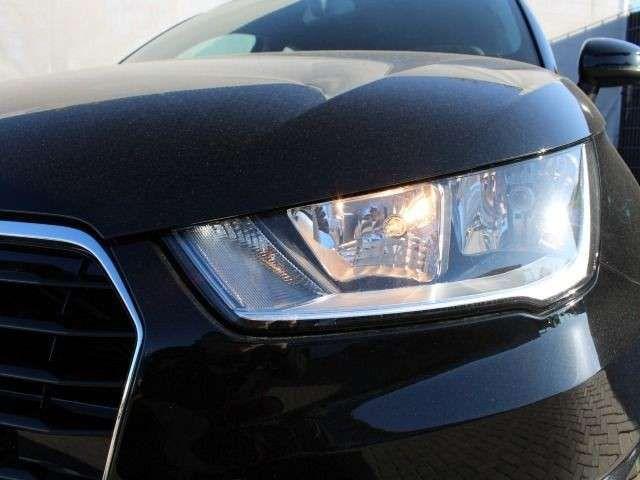 Audi A1 1.0 TFSI admired SHZ PDC media-pake
