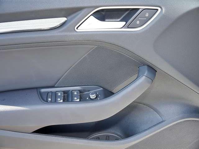 Audi A3 35TFSI S-Trc design Xen Navi Einpar
