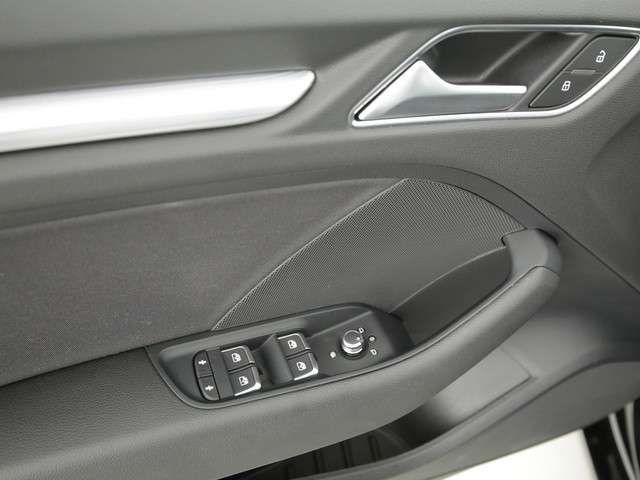 Audi A3 Limousine 30 sport NAVI XENON SHZ PDC KLIM