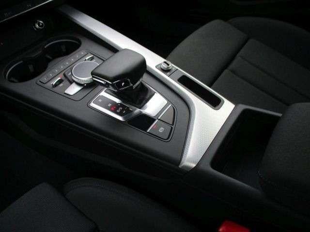 Audi A5 2,0 TDI, MATRIX, NAVI, DAB