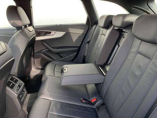 Audi A4 Avant 40 TDI advanced S-tronic / MMI-Navi,AHK