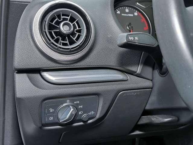 Audi A3 Limousine 35TFSI S-Trc sport Xen Navi Einpark