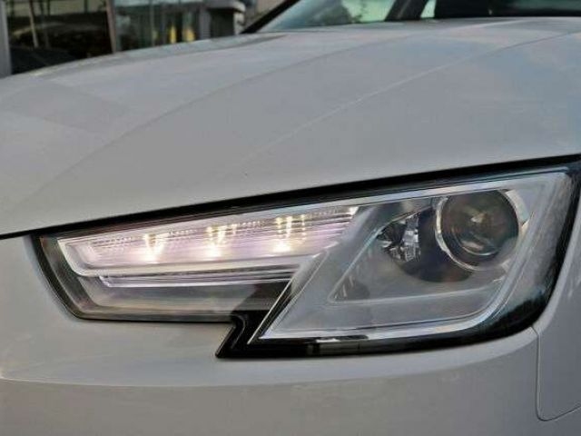 Audi A4 Avant 40TDI qu. S-tronicNAVI GRA APS+ SITZHZG