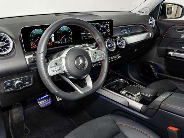 Mercedes-Benz GLB 250