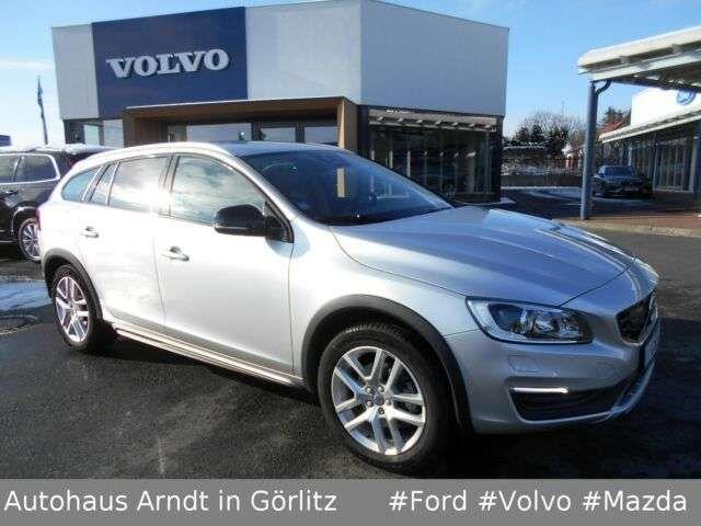 Volvo V60 Cross Country 2017 Benzine