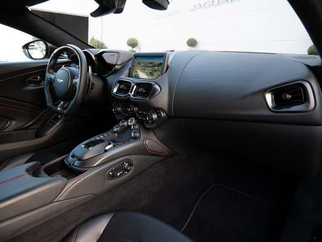 Aston Martin V8 Vantage UPE 211.257,- Full Carbon Pack