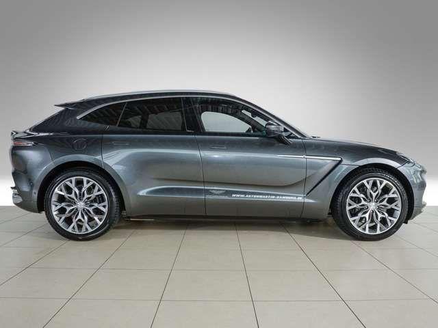Aston Martin DBX - Aston Martin Hamburg