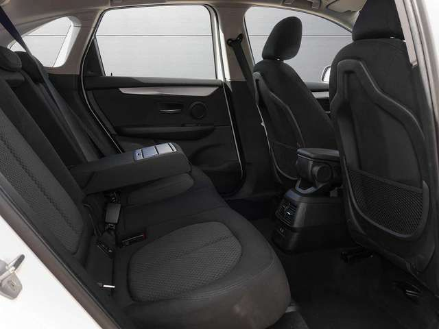 BMW 218