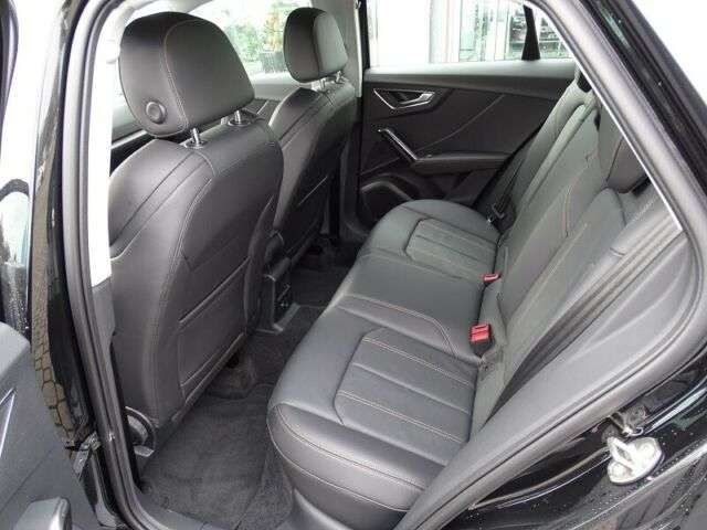 Audi Q2 35 TFSI S-tronic advanced / Leder