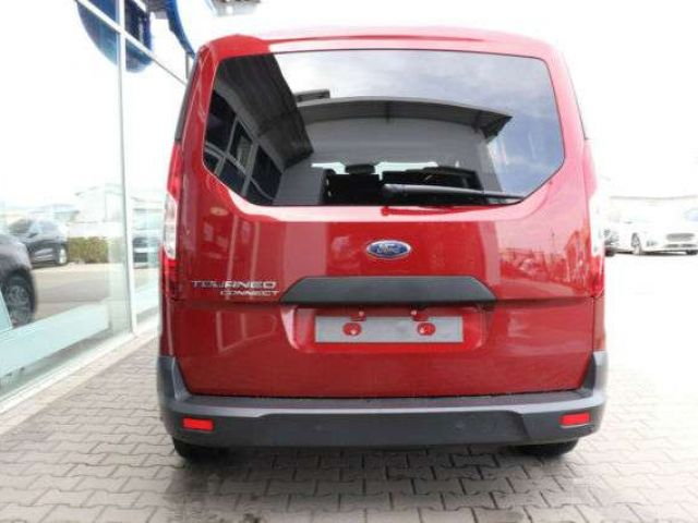 Ford Grand Tourneo
