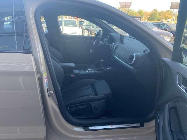 Audi RS3 Limousine quattro S tronic