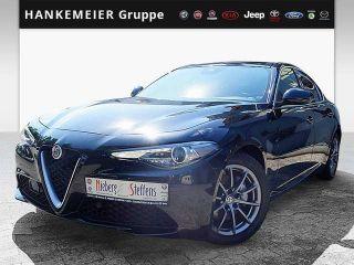 Alfa Romeo Giulia 2017 Benzine