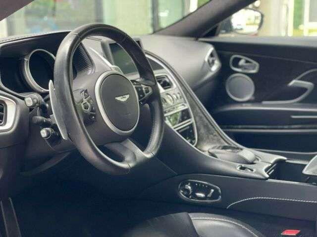 Aston Martin DB11 5.2 V12