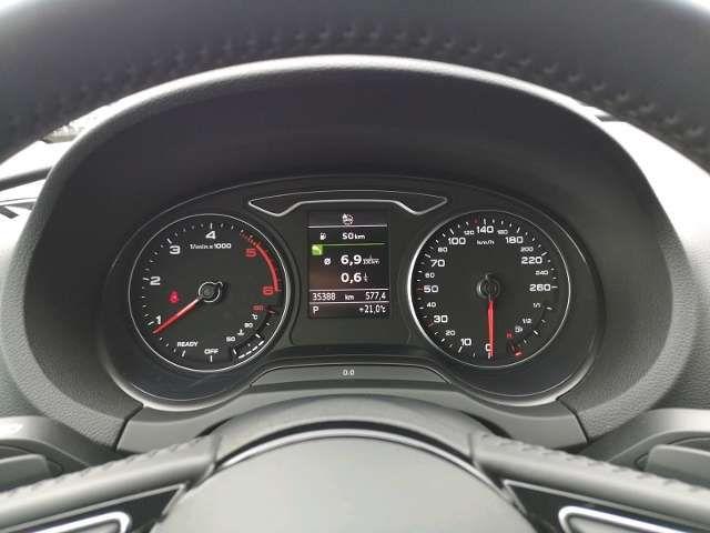 Audi A3 Limousine Sport 1.6 TDI S tronic KLIMA XENON NAVI