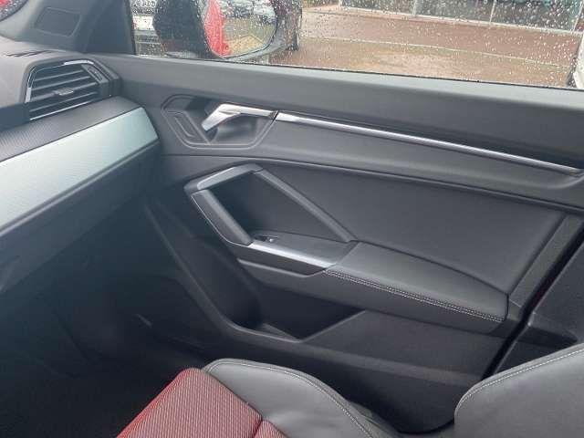 Audi Q3 S line 35 TDI S tronic S line 35 TDI S tronic